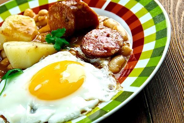 Narodni pokrm Cachupa