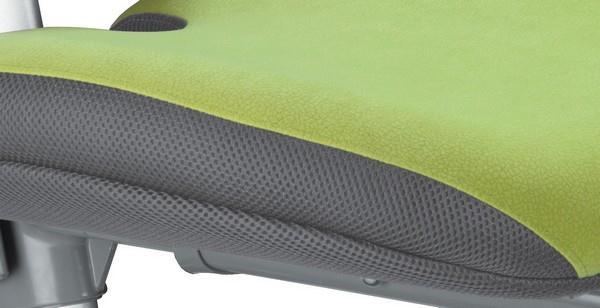 Detail čalounění židle z dílny MAYER CZ