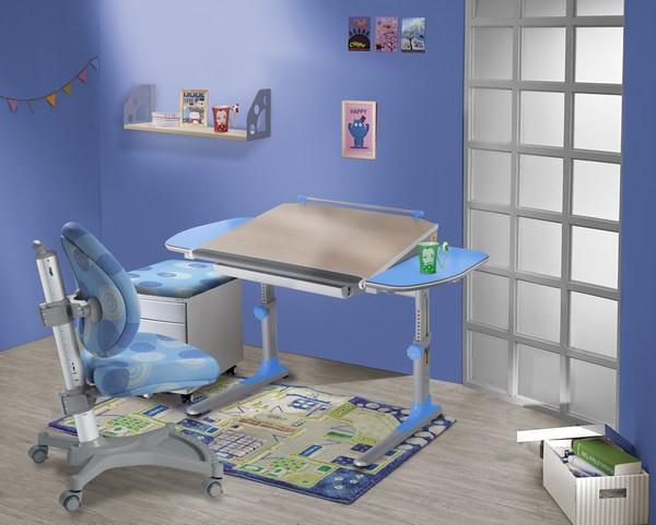 Dětský pokoj vybaven nábytkem zn. MAYER (židle MyPony 2435 + stůl Profi3 32P3 + čalouněný kontejner)