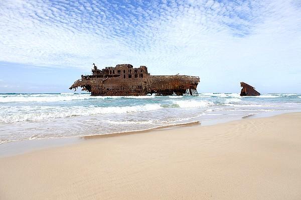 Vrak lodi na ostrove Boavista