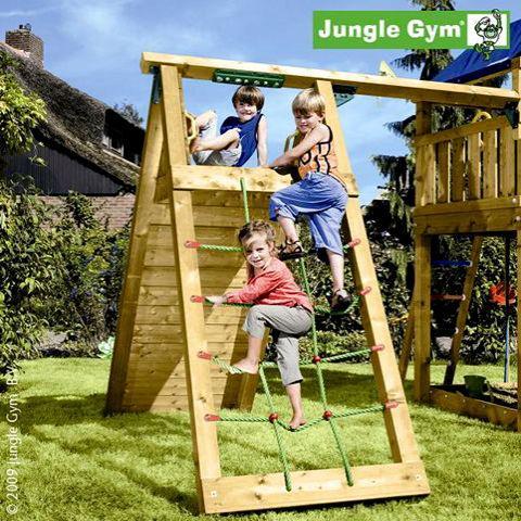 Jungle gym climbing