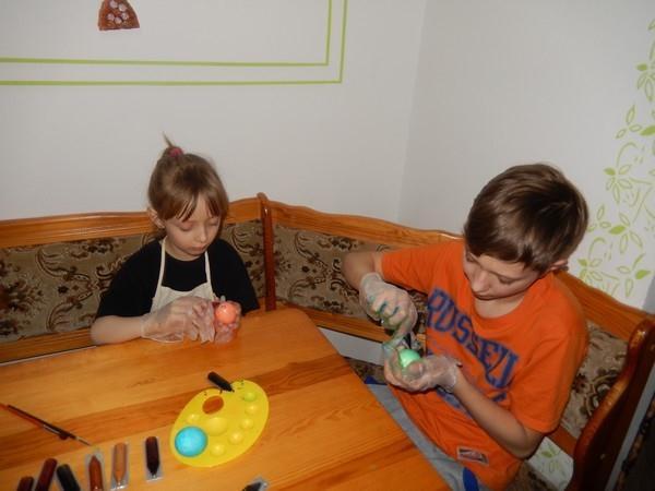 Barvení vajíček gelovými barvami OVO