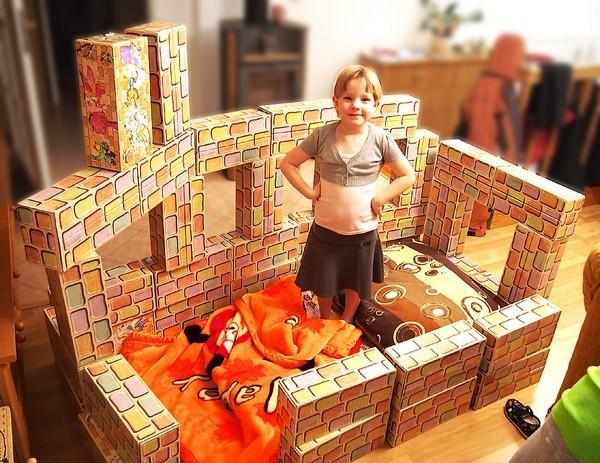 """Michalka: """"Tohle je můj nový dům z Cihliček. Sama jsem si ho postavila a je mi v něm dobře."""""""