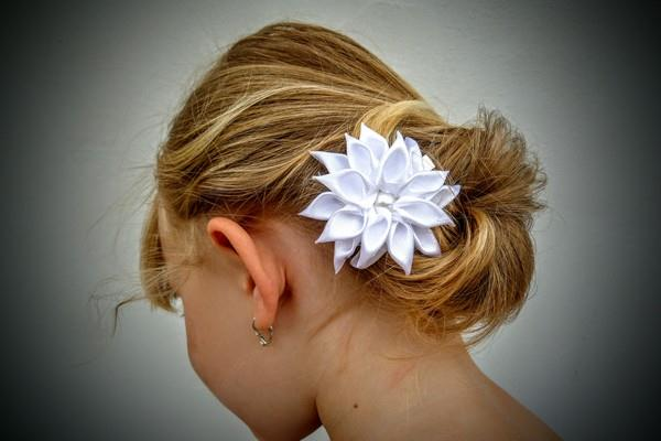 Krásné vlasové doplňky