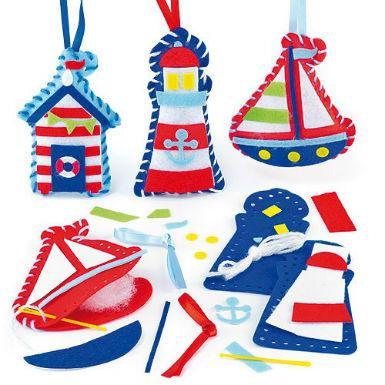 námořnické přívěsky a dekorace